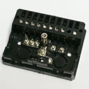 Zásuvka CM381